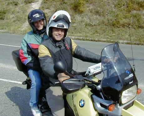 Peter and Judit on their BMW R1100GS